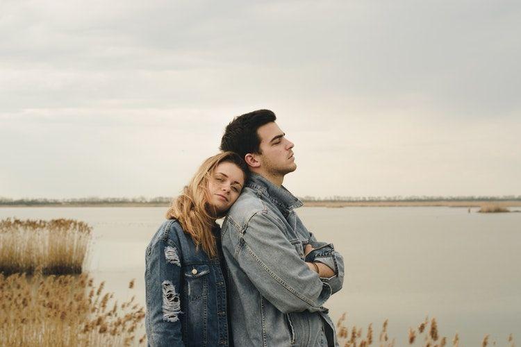 Alasan Mengapa Pacaran Dengan Sahabat Itu Menyakitkan