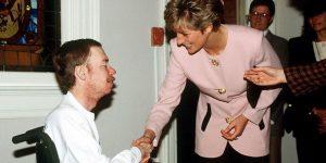 Lukisan Unik Putri Diana Dari Darah Penderita HIV